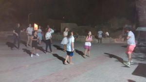 ריקודי עם בנוסח לוטן