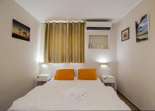 Kibbut Lotan guest house room